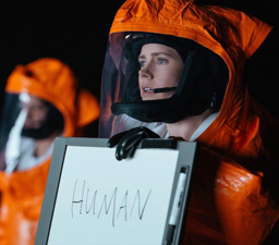 premier-contact-amy-adams-humans